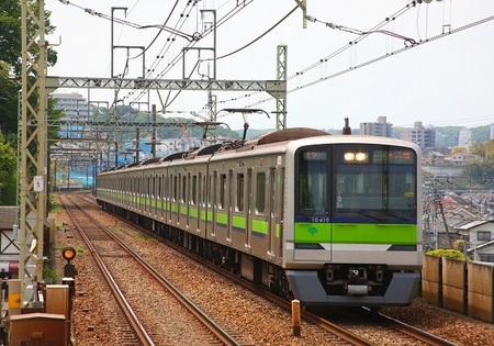 DEL_15_10-300系_京王よみうりランド - コピー.jpg