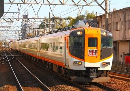 DEL_15_近鉄12600系 - コピー.jpg