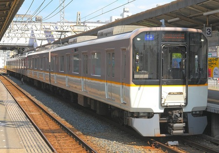 DEL_15_近鉄6820系_IMG_3230 - コピー.jpg